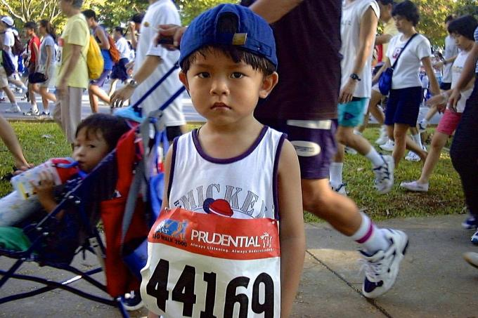 Roy Lim taking part in the TNP Big Walk in 2000