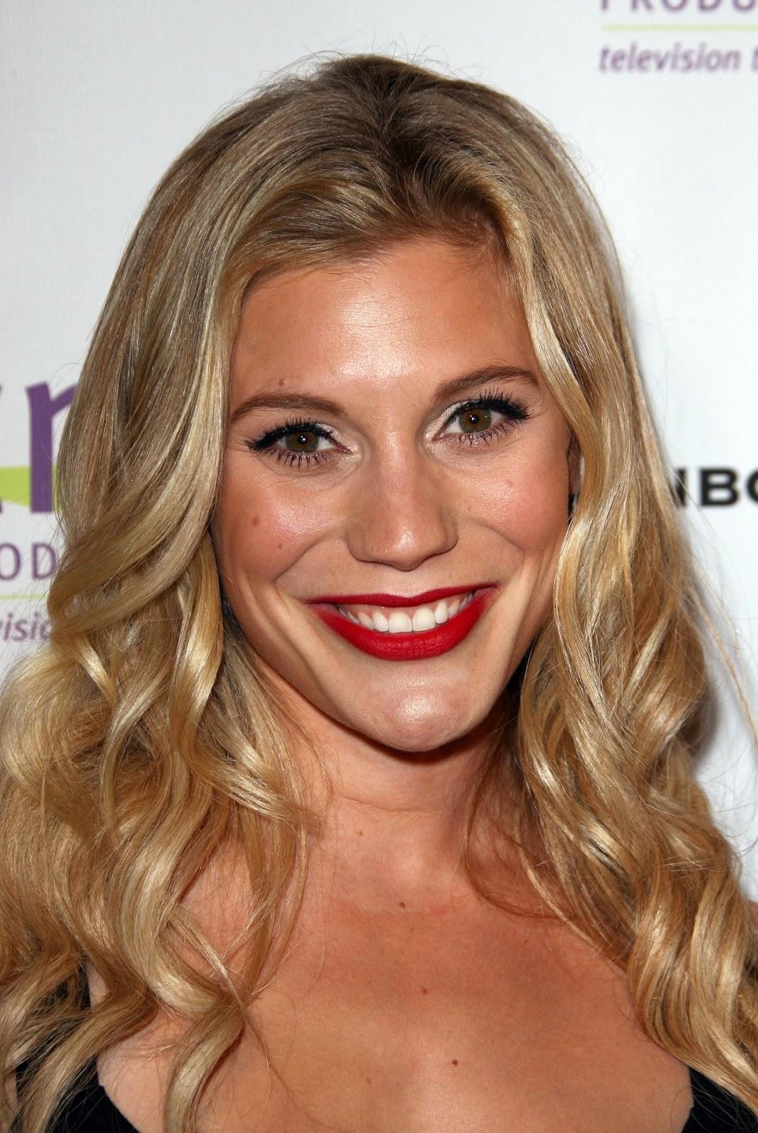 Hollywood Celebrities: Katee Sackhoff Photos