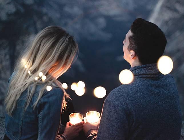Intip Keseriusan Seseorang yang Mencintaimu Berdasarkan Zodiak
