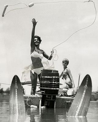 http://ojumeta.tumblr.com/post/148398006127/honeyrider-motor-boat