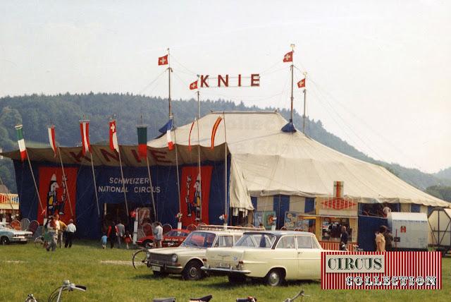 Façade d'entrée, chapiteau et roulotte buffet du Cirque National Suisse Knie  1970