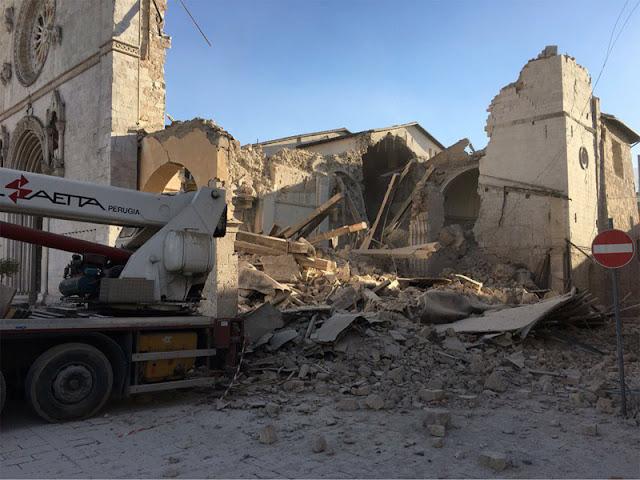 Άνοιξε η γη με νέο σεισμό 6,7 Ρίχτερ στην κεντρική Ιταλία (βίντεο)