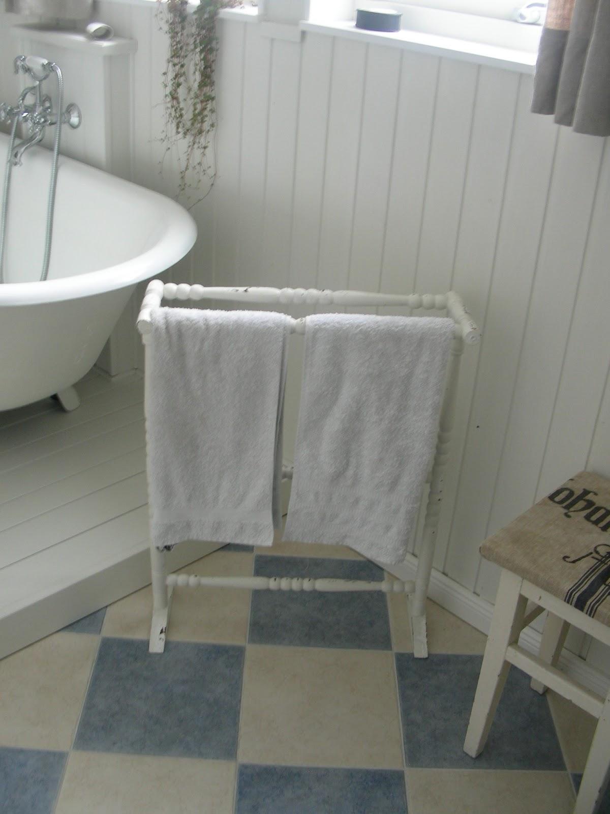 shabby home badezimmer. Black Bedroom Furniture Sets. Home Design Ideas