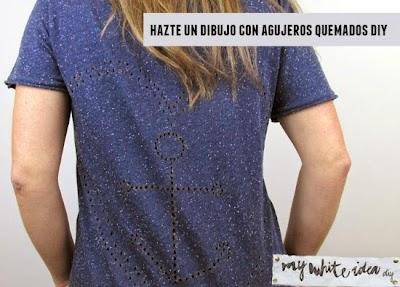 Camiseta con dibujos de agujeritos quemados