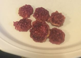 dehydrating prickly pear cactus fruit, prickly pear chips, what to do with prickly pears, are prickly pears edible, prickly pear fruit chips