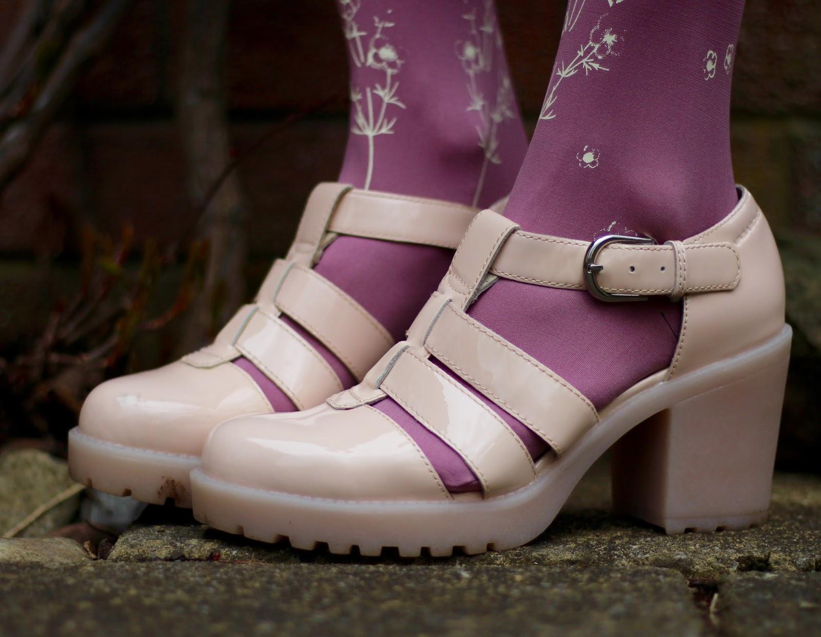 Zohara Patterned Tights and vagabond sandals.
