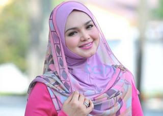 cara berhijab segi empat - Siti Nurhalizah