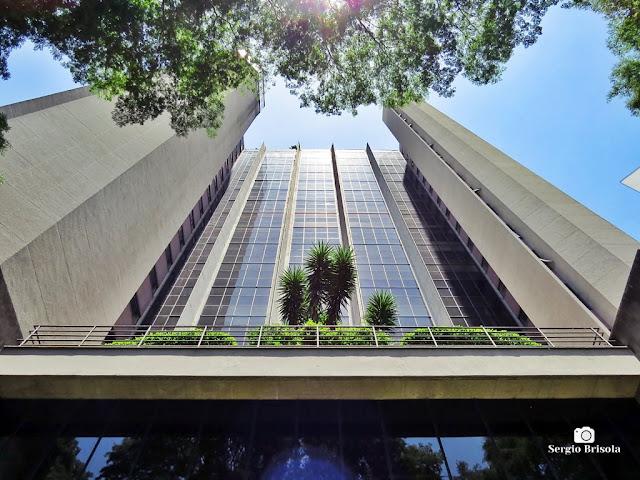 Perspectiva inferior do Edifício Brasilinterpart - Cidade Monções- São Paulo