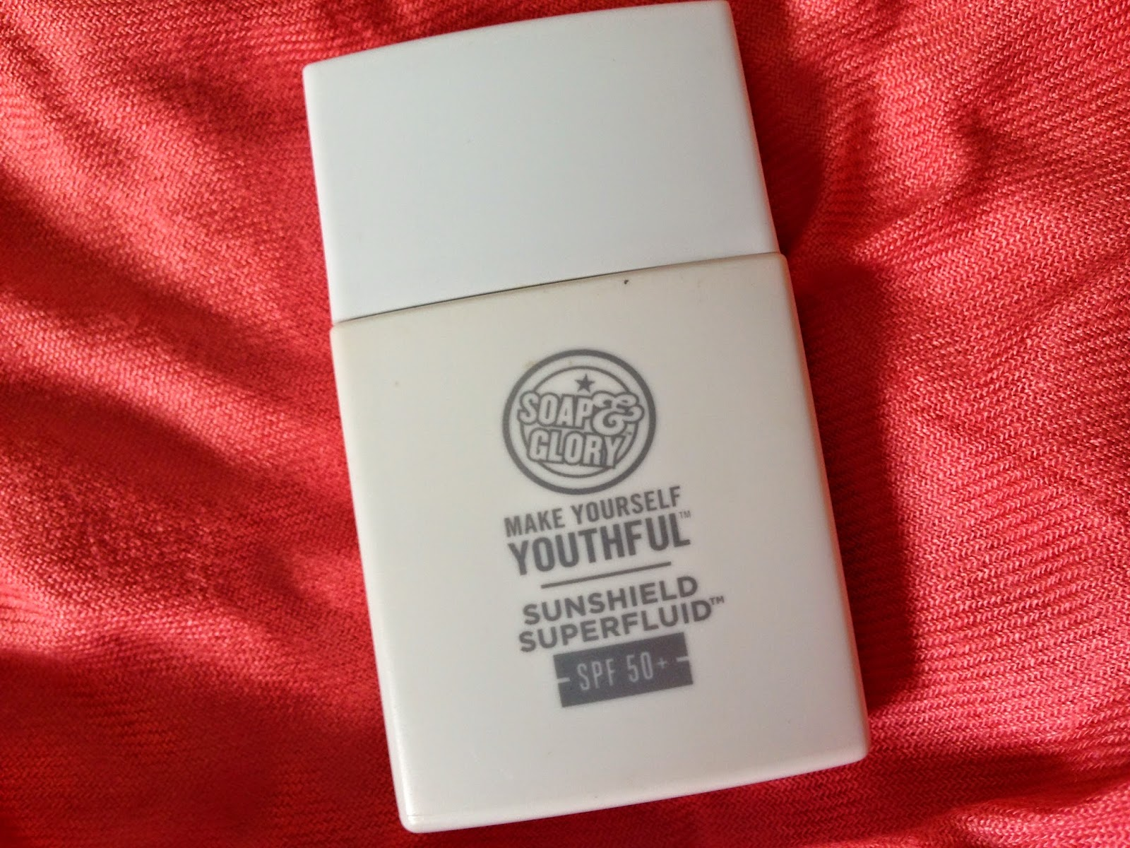 SOAP & GLORY MAKE YOURSELF YOUTHFUL SUNSHIELD SUPERFLUID