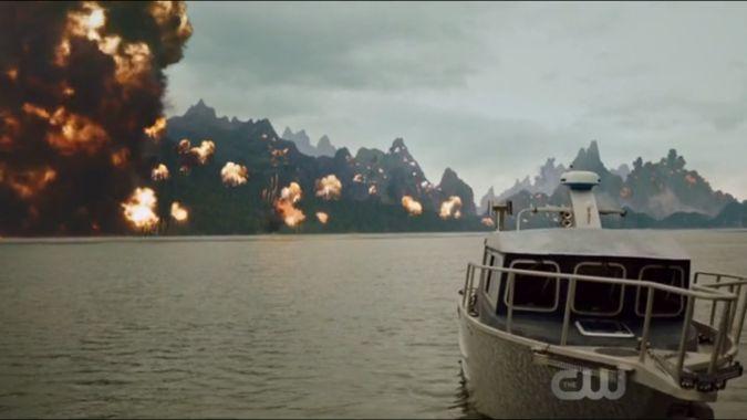 Lian Yu explotando en Arrow