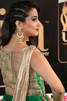 Manjusha in Beautiful Sleeveless Green Anarkali dress at IIFA Utsavam Awards 37.JPG