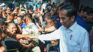 Presiden Joko Widodo blusukan di Pasar Grosir Ngemplak, Kabupaten Tulungagung, Jawa Timur, Jumat, 4 Januari 2019. - Foto/Biro Pers Sekretariat Presiden