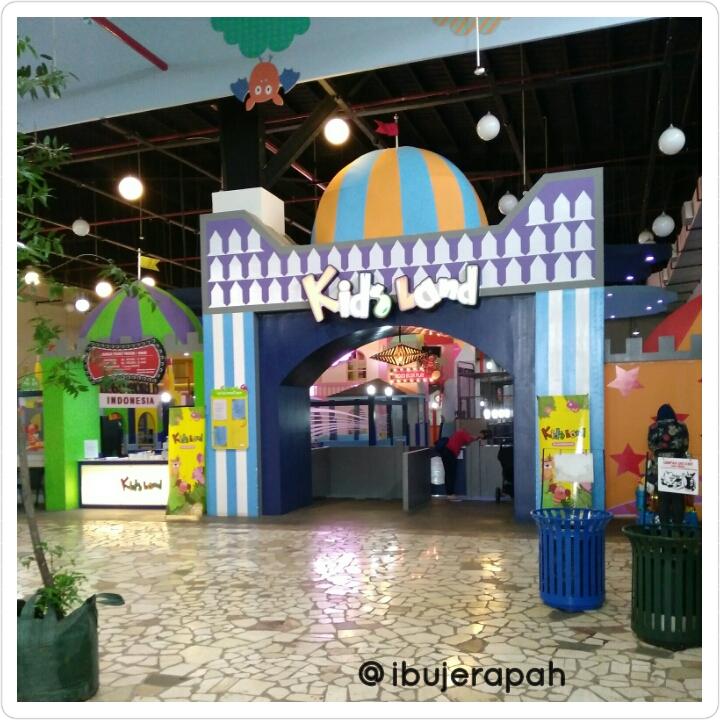 Bermain Di Kid S Land Paris Van Java Mall Bandung