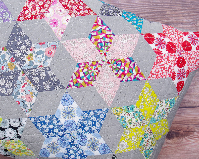 Liberty Stars Pillow Cover - An English Paper Piecing Project | © Red Pepper Quilts 2017