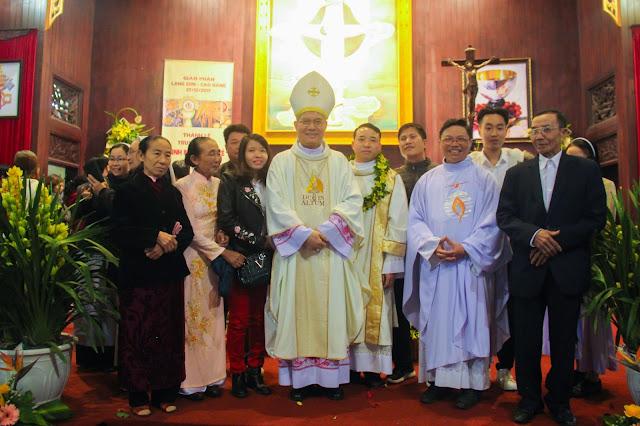 Lễ truyền chức Phó tế và Linh mục tại Giáo phận Lạng Sơn Cao Bằng 27.12.2017 - Ảnh minh hoạ 225