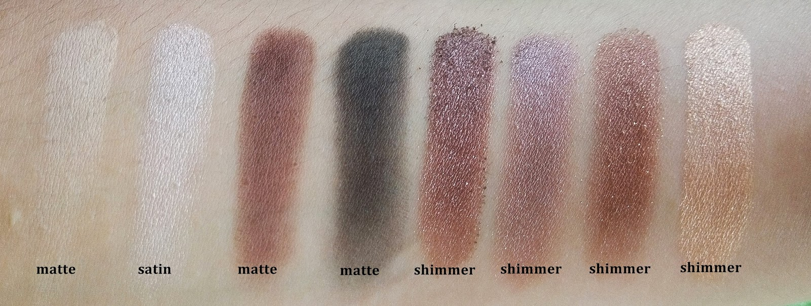 Review LT PRO Naturally Glam Eyeshadow Palette