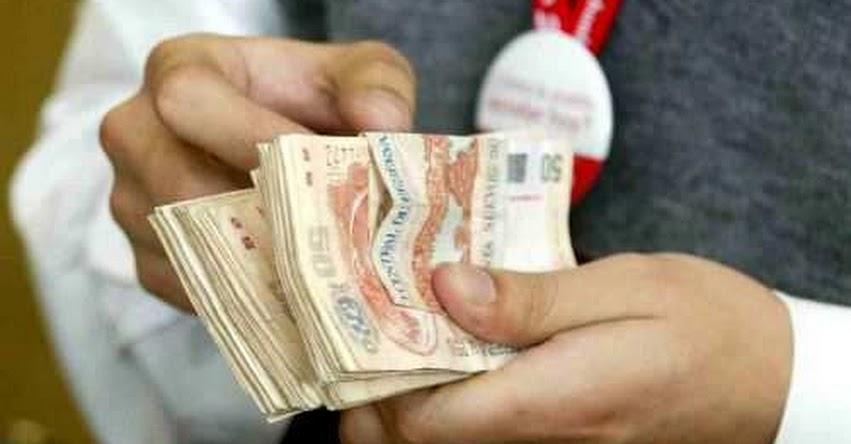 ESCOLARIDAD 2012: Disponen pago de bono por escolaridad de S/. 400 a funcionarios públicos