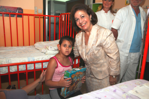 The Crown Princess gives toys to children at a hospital in Serbia