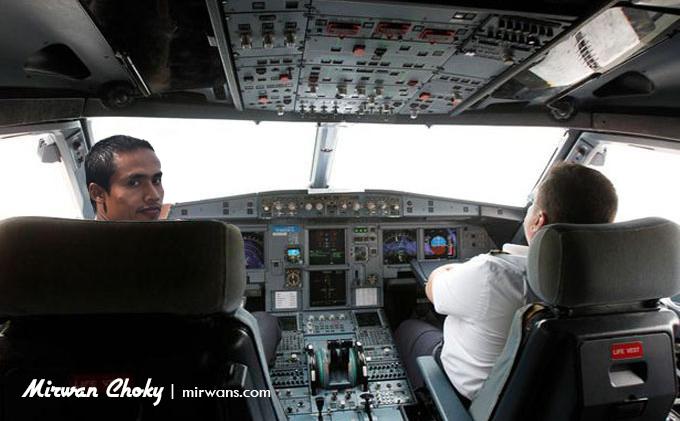 Duduk Samping Pilot Gara-gara Salah Teknis Tiket Pesawat