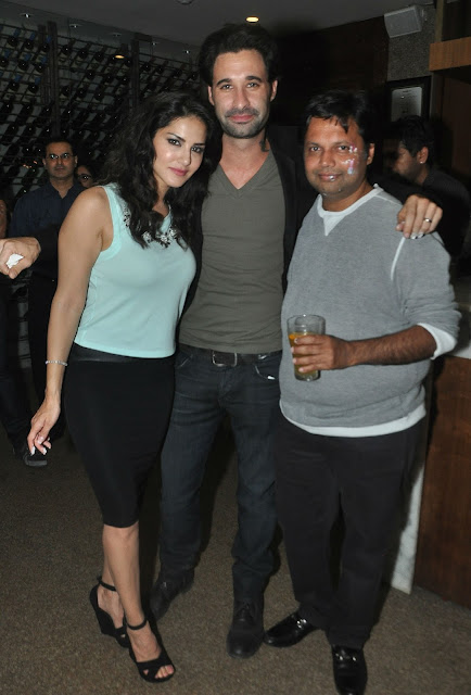 sunny leone celebrating birthday party,sunny leone with their husband daniel weber,daniel weber,sexy pics of sunny leone