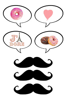Speech balloons and mustaches for Photo Booth