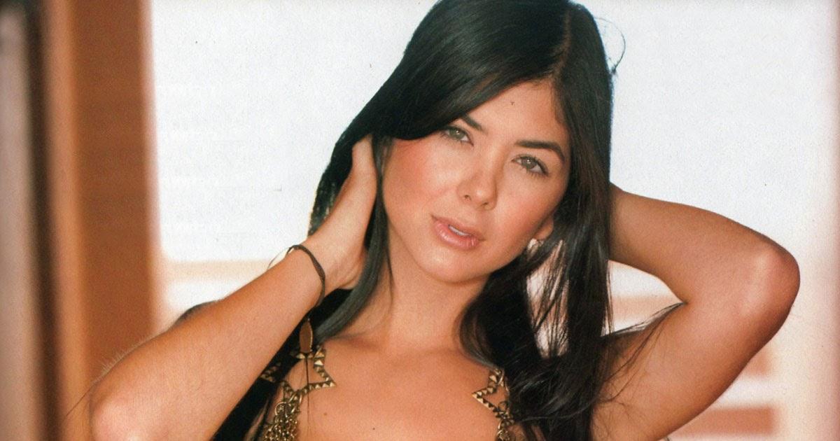 The Celebrity Braless Trendy : Mariana Camila Davalos Hot