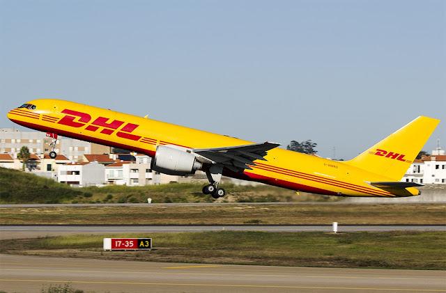 dhl boeing 757-200 takeoff