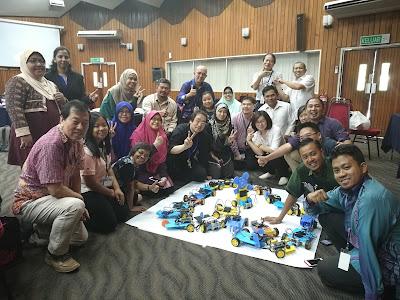 Peserta Bengkel STEM Robotik di RECSAM