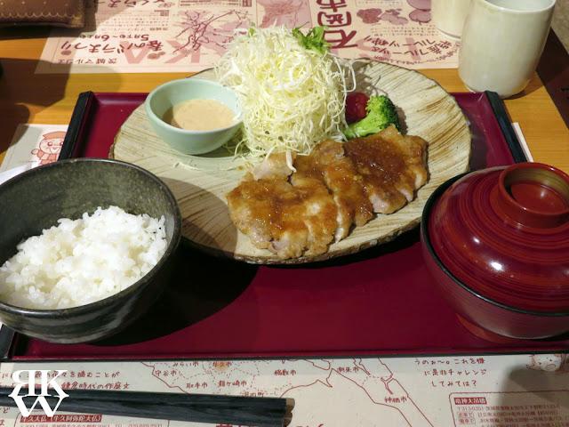 銀座にある茨城マルシェのポークジンジャー定食