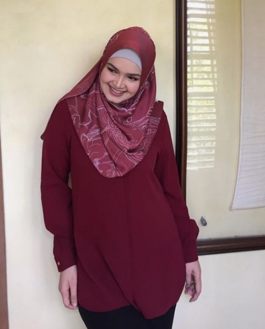 Peminat Dakwa Lihat Baby Bump Siti Nurhaliza