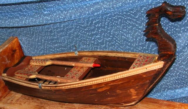 Мини-лодка из дерева