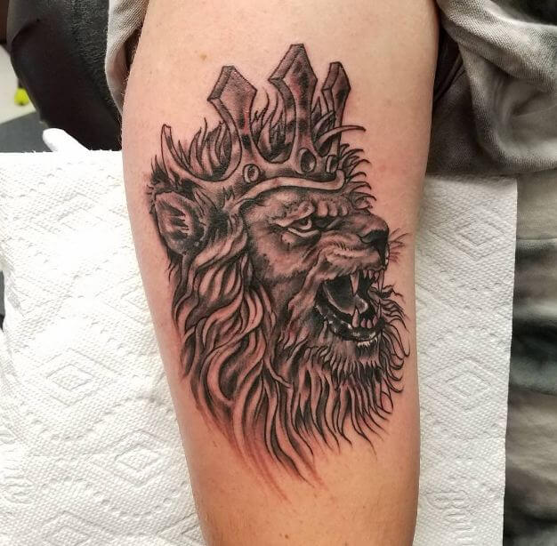 5e85f7d73 Personally, I admire the angry lion tattoo because they have this raw  energy that easily overcomes all other feelings especially fear.