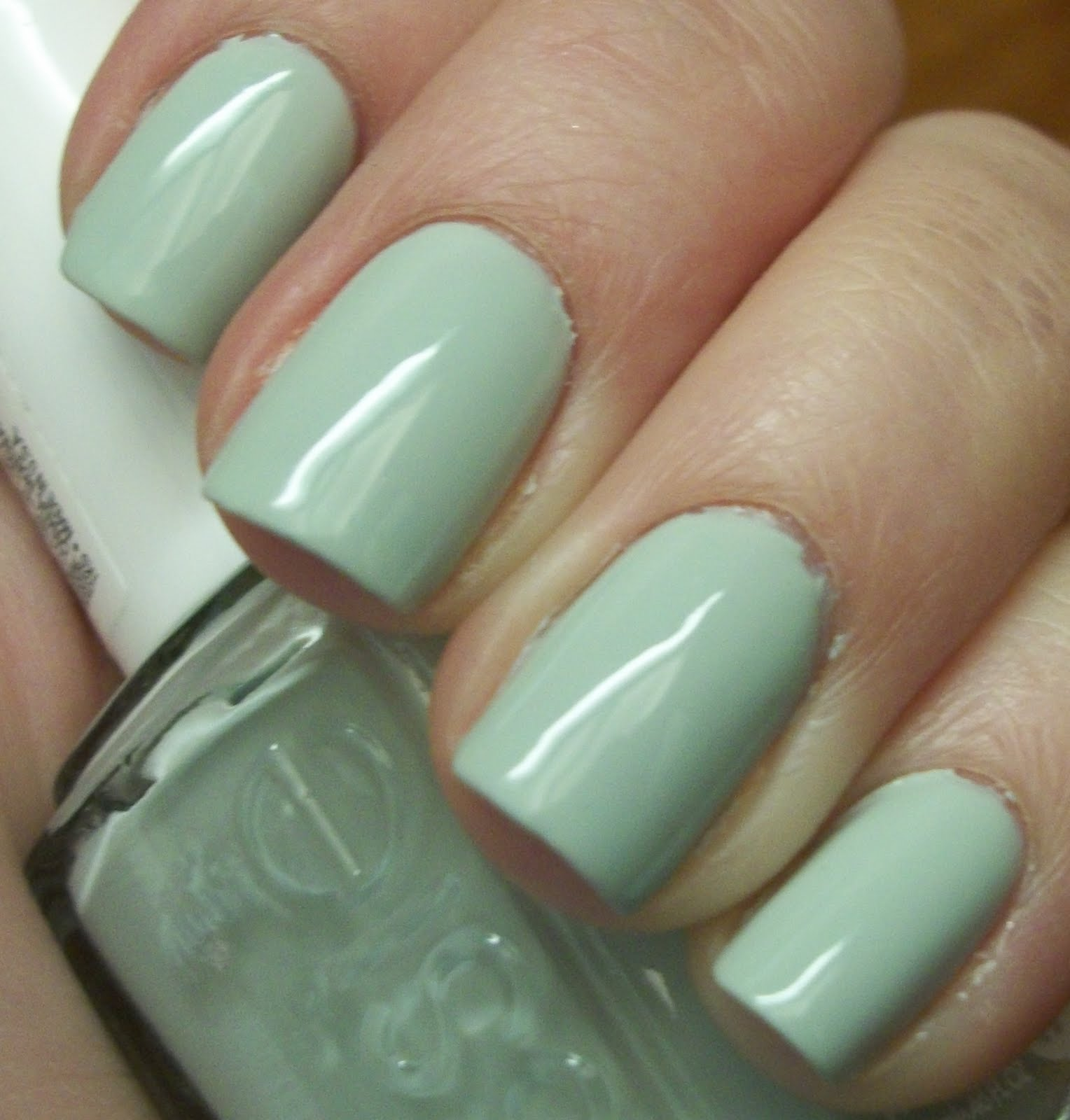 Lacquer Ninja: Essie: Absolutely Shore