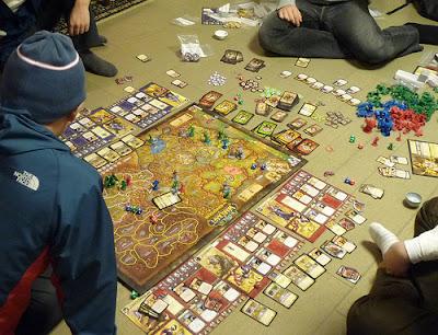 Otros videojuegos que saltan a la mesa de juego... o al suelo