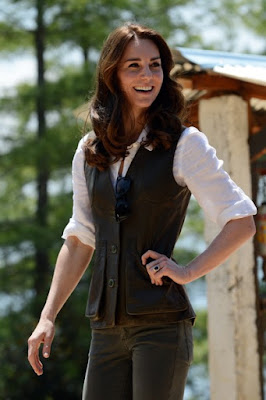 During Their Trek Up To Tiger S Nest The Take In Culture Spectacular Views Of Bhutan Kate Wearing An English Country Style Khaki Jeans