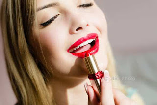 Tips Memilih Lipstik Harian Untuk Kecantikan Natural