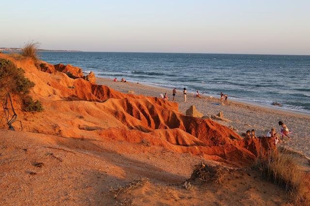 Paisaje y playa de los Miradores