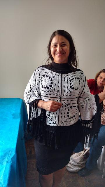 blusa de crochê curta