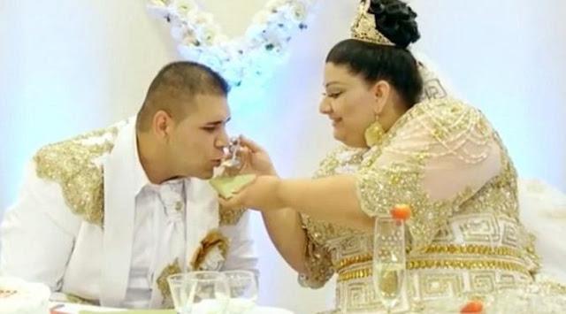 Pernikahan Rp 500 Miliar, Istri Mandi Emas, Uang dan Gaun Rp 3 Miliar, Suami Sibuk Hitung Saweran Mertua