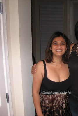 indian hot dating night club pub girls aunties boobs