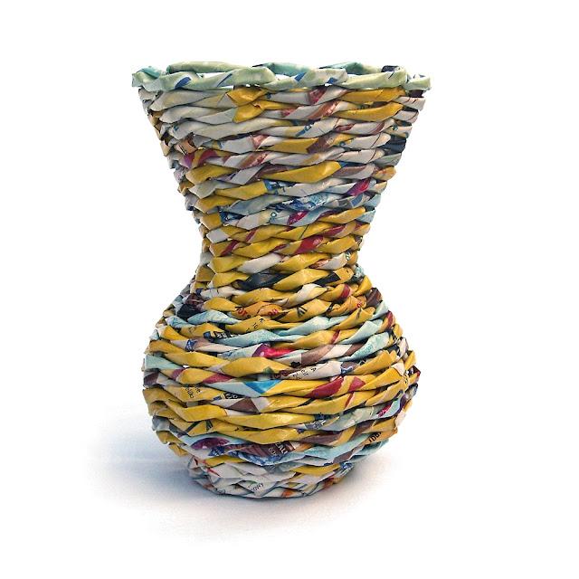 wazon z papierowej wikliny