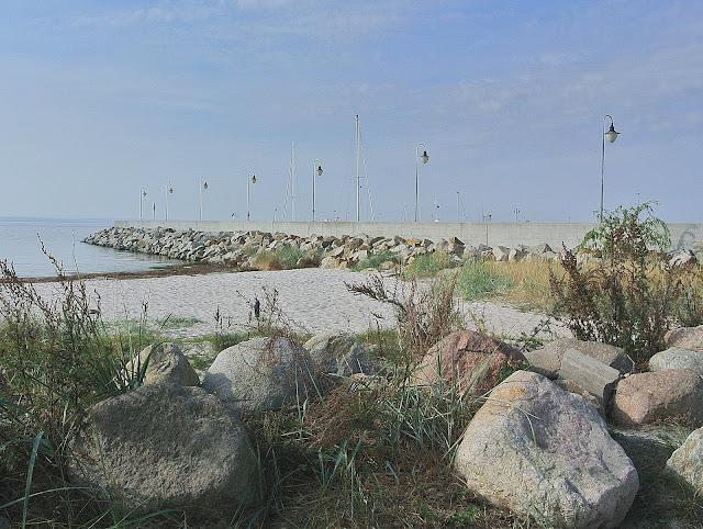 widok na przystań w Kuźnicy od strony Zatoki Puckiej