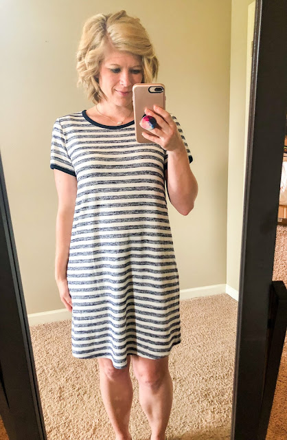 Stitch Fix review. Try Stitch Fix, personal styling subscription box. Navy and White tshirt dress. So comfortable! Summer style. Summer outfits