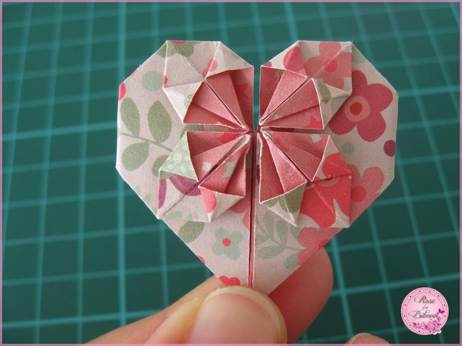 Rose De Biboun Diy Le Coeur En Origami Un Pliage Pour La St