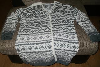 sweter na drutach wzory norweskie