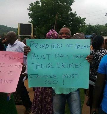 Anti-Fayose Protesters Lock Down Ekiti, Seek The Gov.'s Resignation