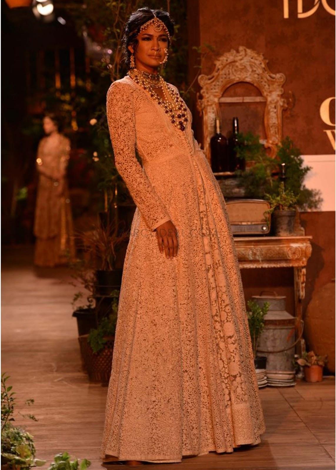 Sabyasachi Collection at PCJ Delhi Couture Week 2013 ... Sabyasachi Anarkali 2014