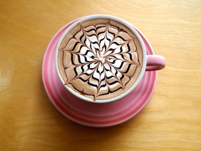 Mocha coffee with snowflake / cobweb coffee art, from Marisstella in Myeongnyun, Busan, South Korea