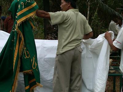 Pemakaman Mbah Parsiem 9