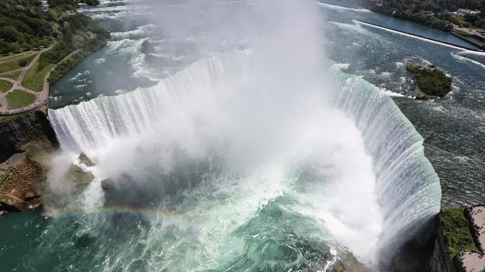 20. Niagara Falls, USA - 50 Stunning Aerials That Will Make You See the World in New Ways (PHOTOS)